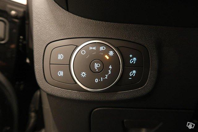 Ford Fiesta Van 15