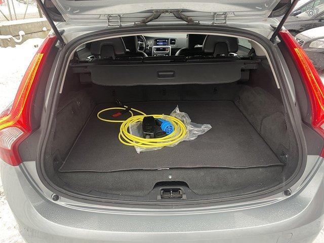 Volvo V60 Plug IN Hybrid 12