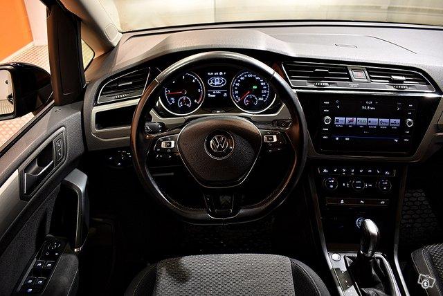 Volkswagen Touran 17