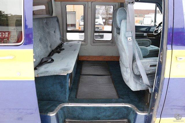 Dodge Ram B250 8