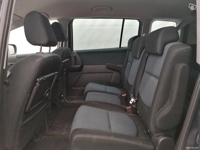 Mazda 5 8