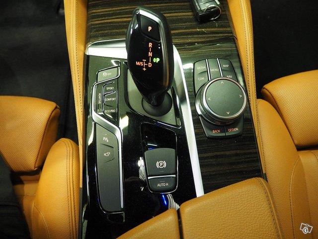 BMW 530d Xdrive 11