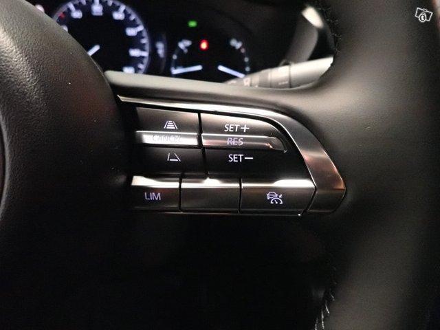Mazda MX-30 13
