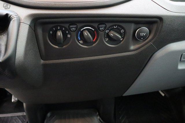 Ford Transit 13