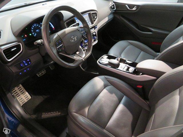 Hyundai Ioninq 8