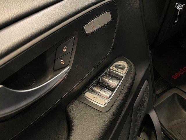 Mercedes-Benz V 17