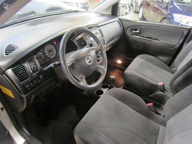 Mazda MPV 6