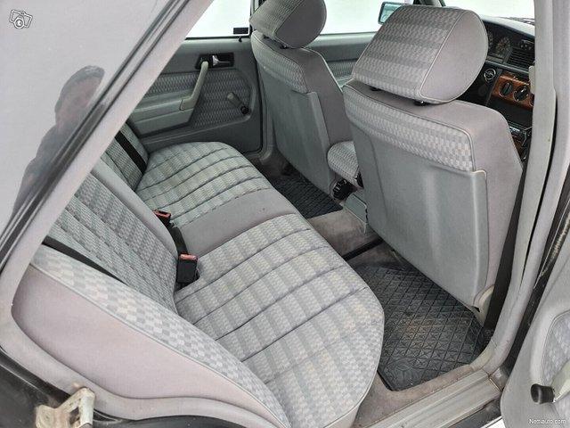 Mercedes-Benz 190 15