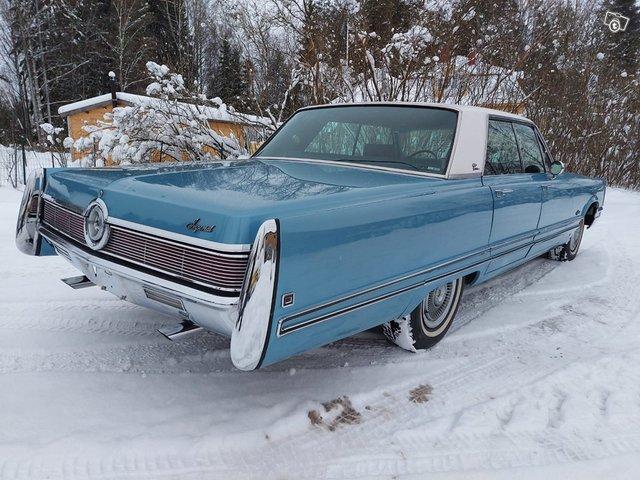 Chrysler Imperial 6