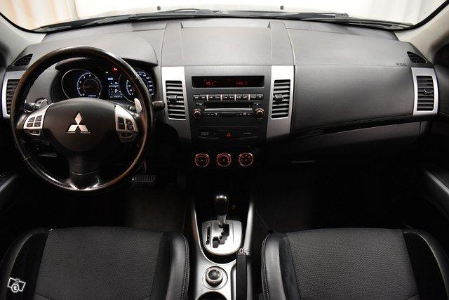 Mitsubishi Outlander 12