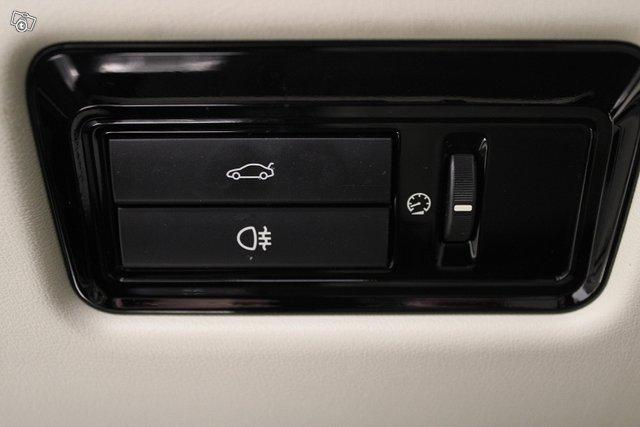 Jaguar XJ 23