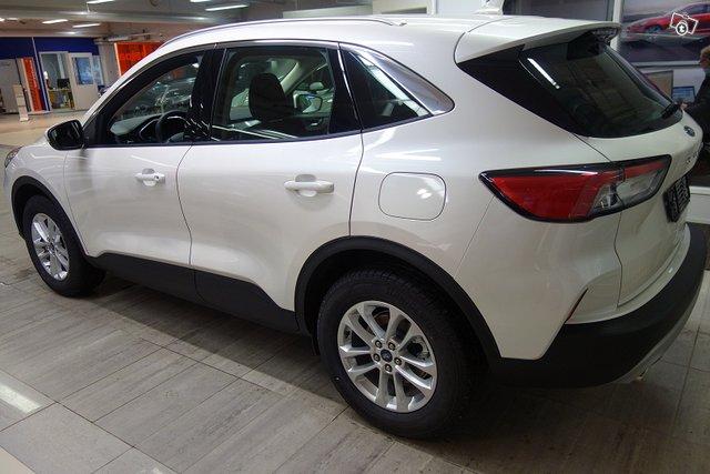 Ford KUGA 4