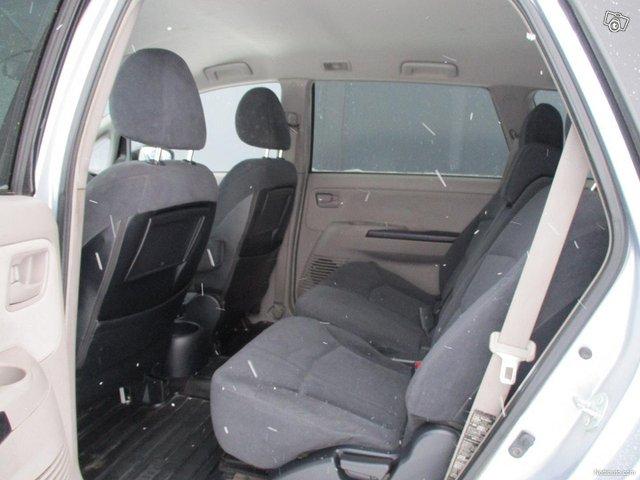 Mitsubishi Grandis 13