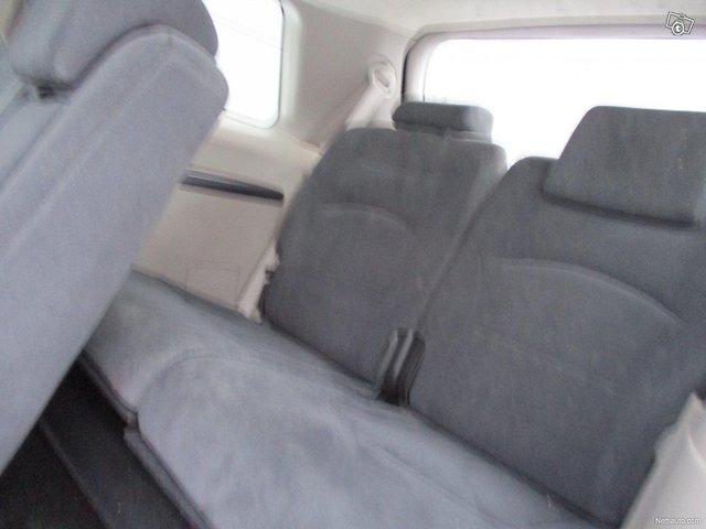 Mitsubishi Grandis 14