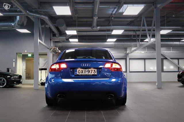 Audi RS4 4