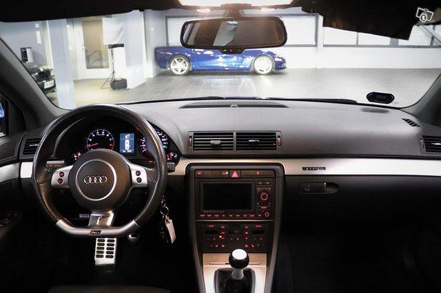 Audi RS4 13