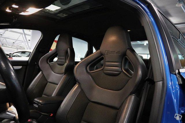 Audi RS4 19