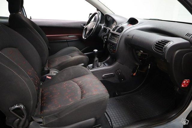 Peugeot 206 17