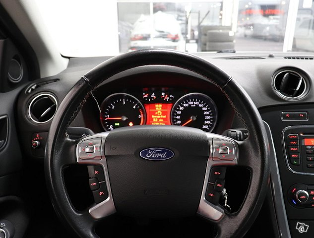 Ford Mondeo 9