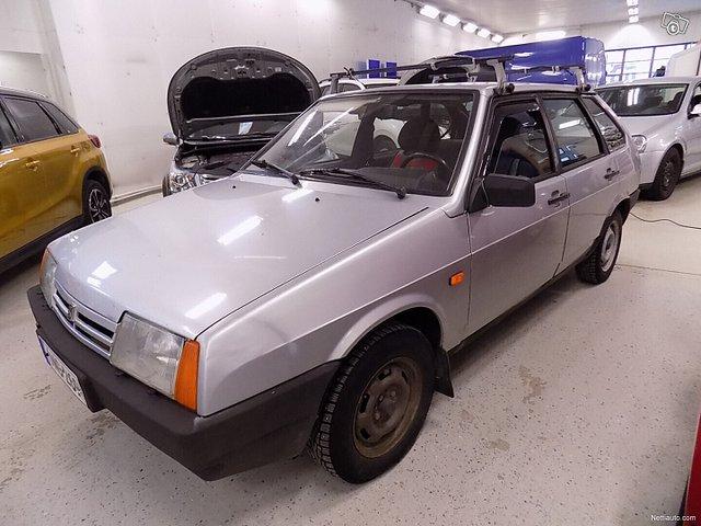 Lada Samara 1