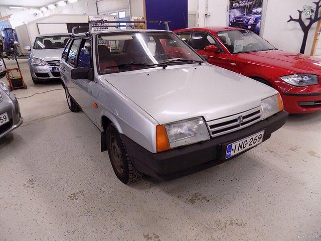 Lada Samara 4