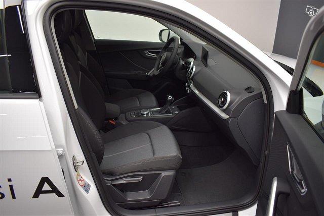 Audi Q2 7