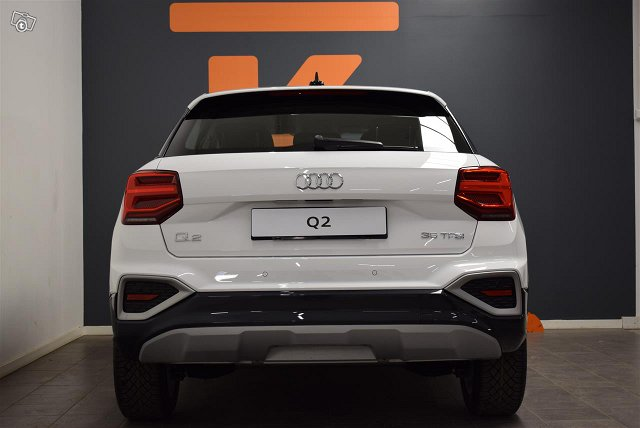 Audi Q2 13