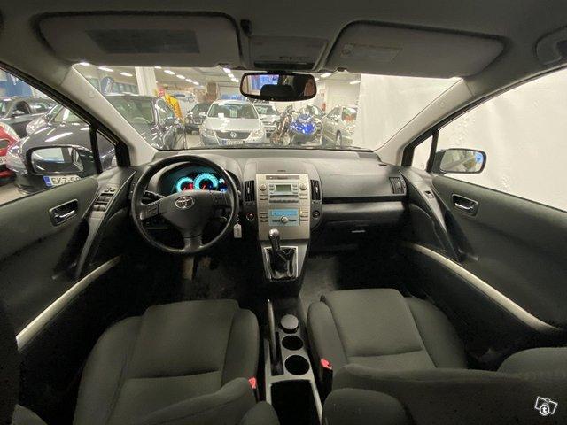 Toyota Corolla Verso 7