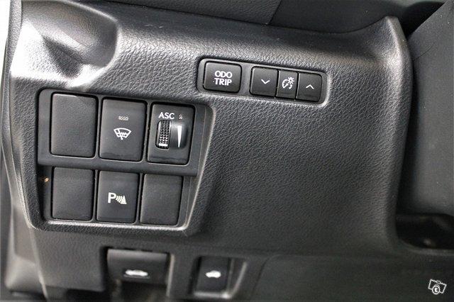 Lexus IS 14