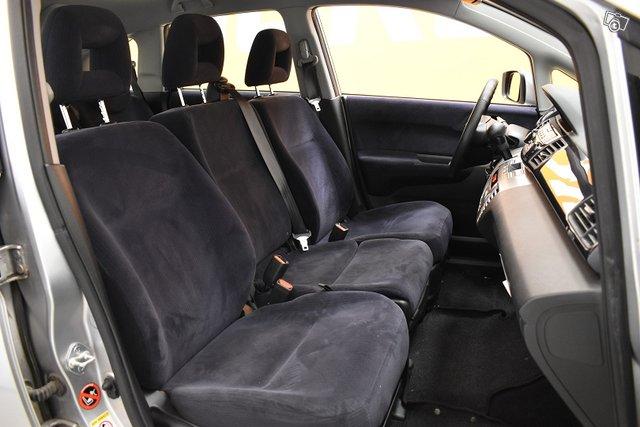 Honda FR-V 9