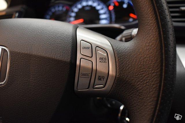 Honda FR-V 16
