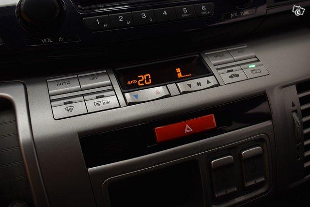 Honda FR-V 18