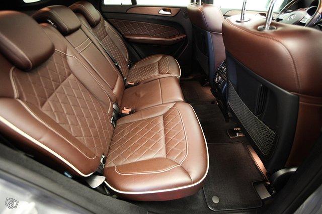 Mercedes-Benz ML 6