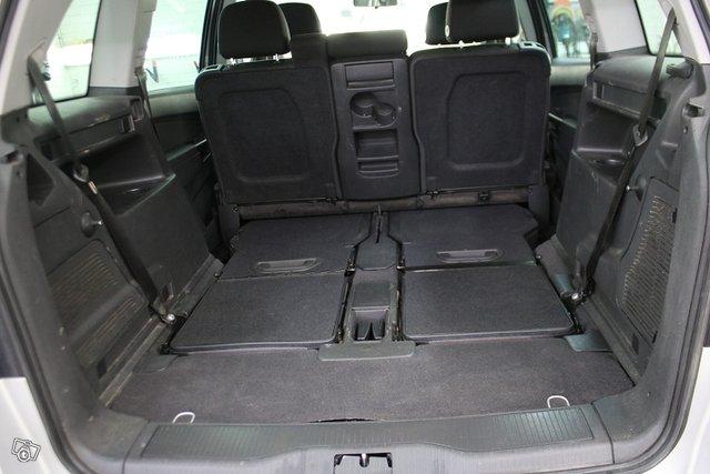 Opel Zafira 12