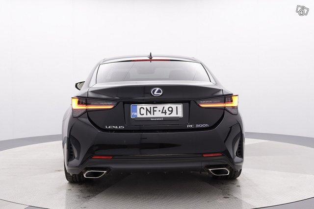 Lexus RC 4