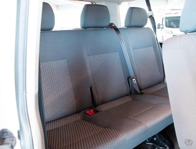 Volkswagen Caravelle 12
