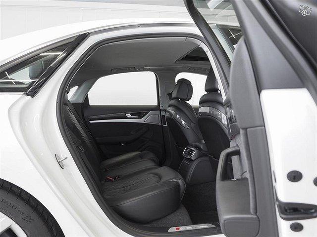 Audi S8 9
