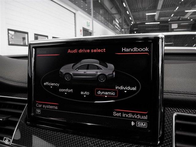 Audi S8 10