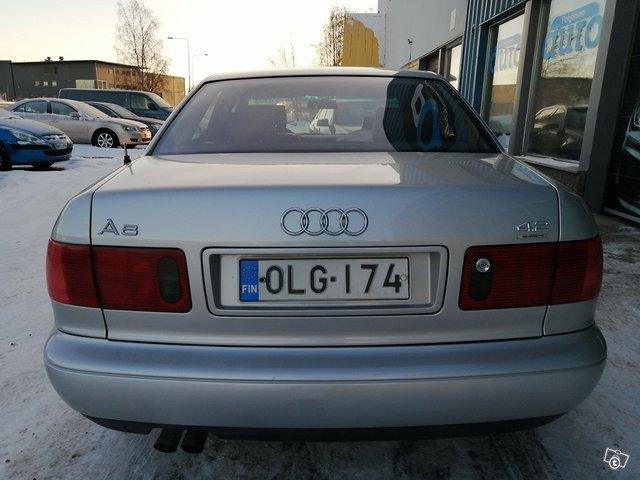 Audi A8 4