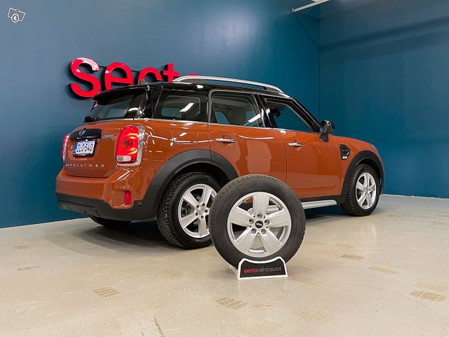 Mini COUNTRYMAN 19