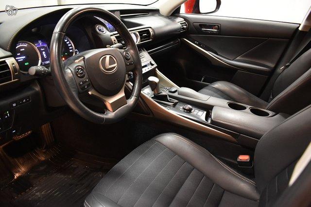 Lexus IS 13