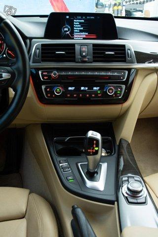 BMW 330d 15