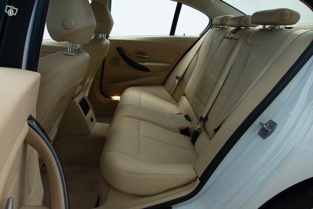 BMW 330d 17