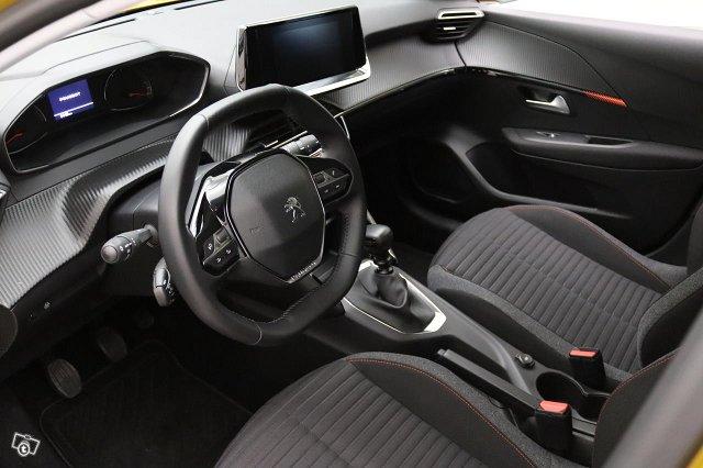 Peugeot 208 5