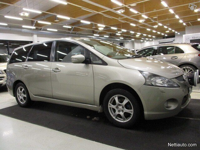 Mitsubishi Grandis 3