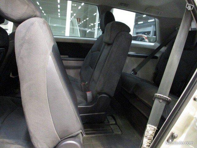 Mitsubishi Grandis 11
