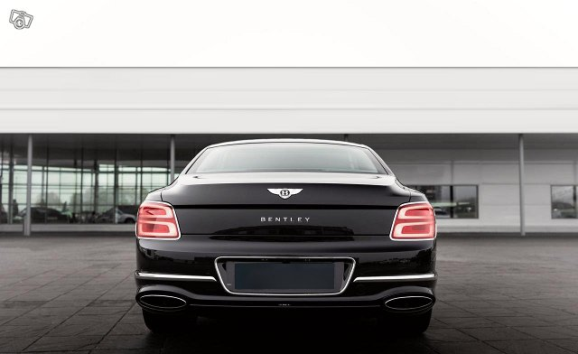 Bentley Flying Spur 4