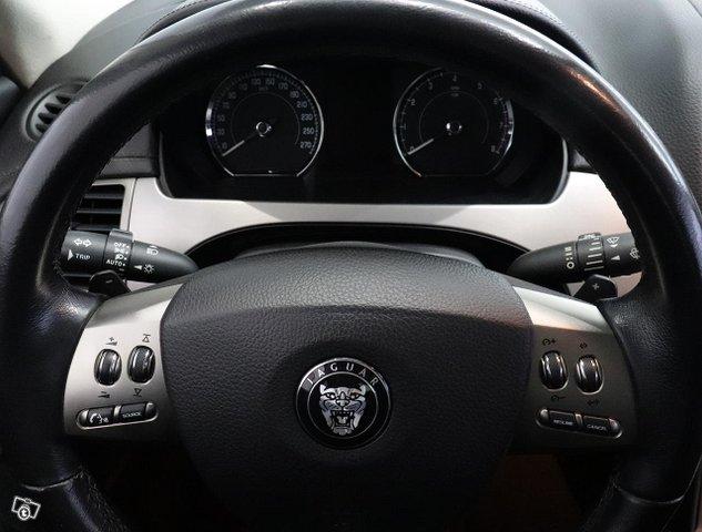 Jaguar XK 13