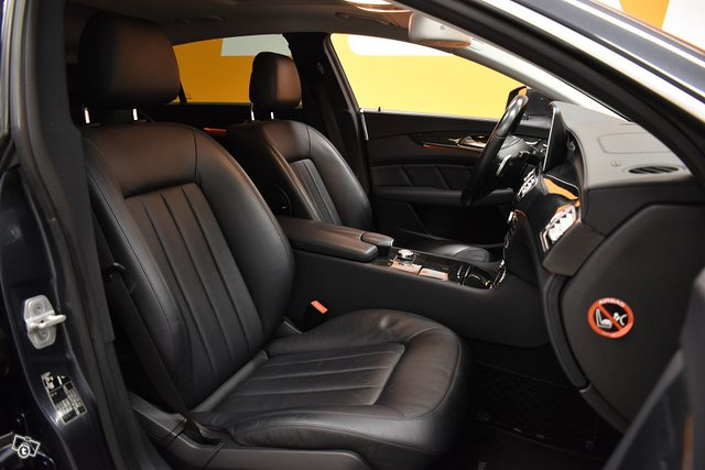 Mercedes-Benz CLS 10