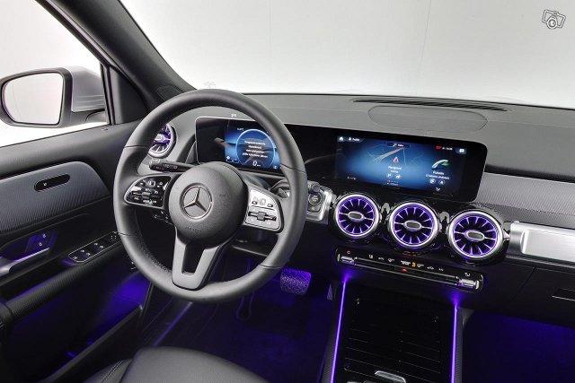 Mercedes-Benz GLB 11